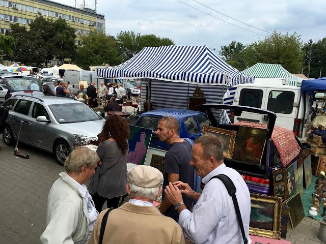 Блошиные рынки: Koło, Варшава, Польша
